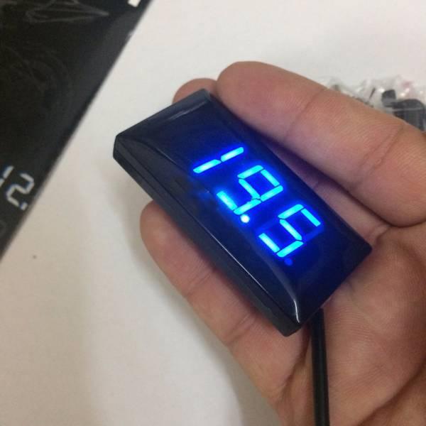 Đồng hồ báo điện áp bình acquy 8-18VDC